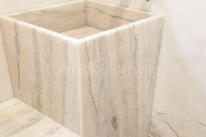 Bassin en marbre Estremoz