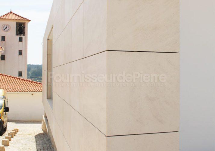 Revêtement muraux en pierre calcaire Rosal